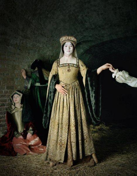 Existing in Costume, Anne Boleyn, 2012. 230x180 cm, C-Print. Credits: © Chan-Hyo Bae