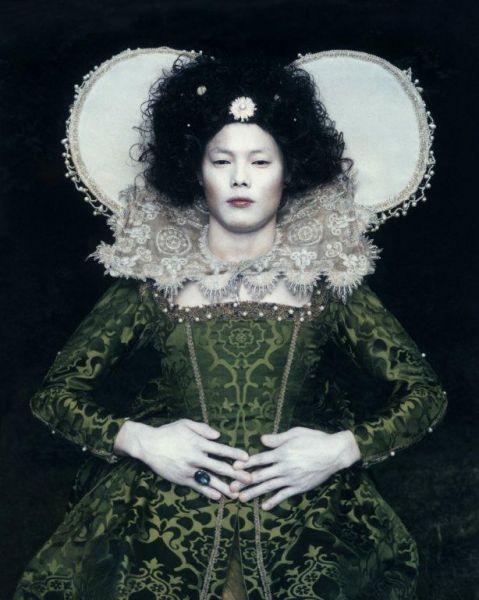 Existing in Costume 1, 2006. 100x80 cm, C-Print. Credits: © Chan-Hyo Bae