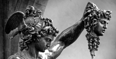 Perseo-con-la-testa-di-Medusa-di-Benvenuto-Cellini